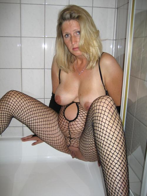 cocufieuse nympho du 03 en photo nue cherche plan cul homme sympa