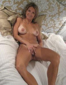 cocufieuse nympho du 15 en photo nue cherche plan cul homme sympa