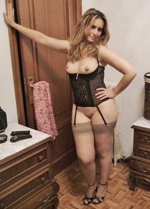 cocufieuse nympho du 24 en photo nue cherche plan cul homme sympa