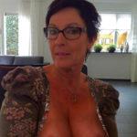 femme mure et nue dans le 49 pour sexe