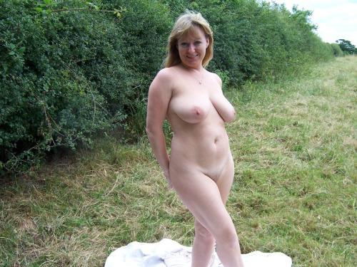 cocufieuse nympho du 02 en photo nue cherche plan cul homme sympa