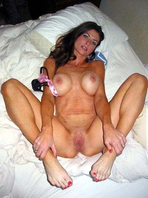 cocufieuse nympho du 28 en photo nue cherche plan cul homme sympa