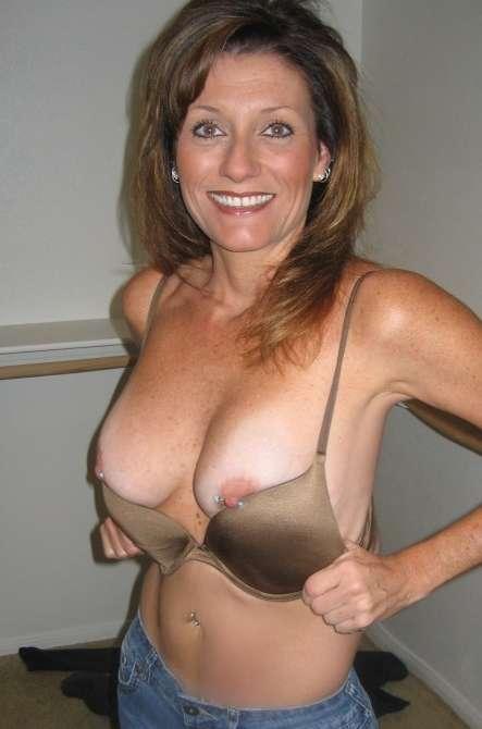 cocufieuse nympho du 34 en photo nue cherche plan cul homme sympa